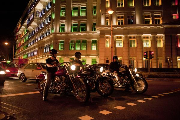 explore-singapore-on-a-harley