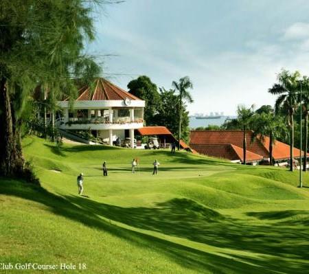 playing-golf-at-keppel