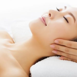 Rejuvenating facial spa