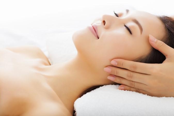 Rejuvenating facial spa